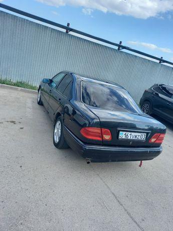 Mercedes Benz 210