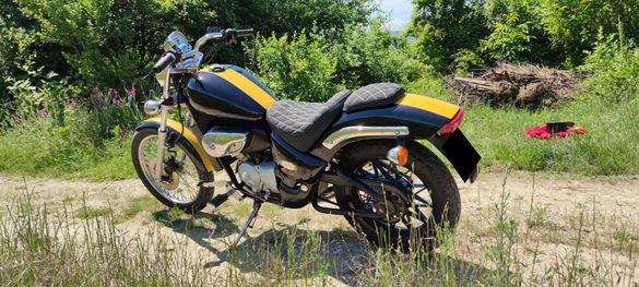 Aprilia 125 cc Чопър  Регистриран Обслужен