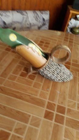 Декоративна поставка за бутилки