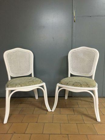 Два стола от естествен ратан