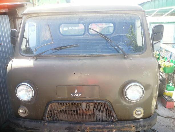 Продам УАЗ 1992год
