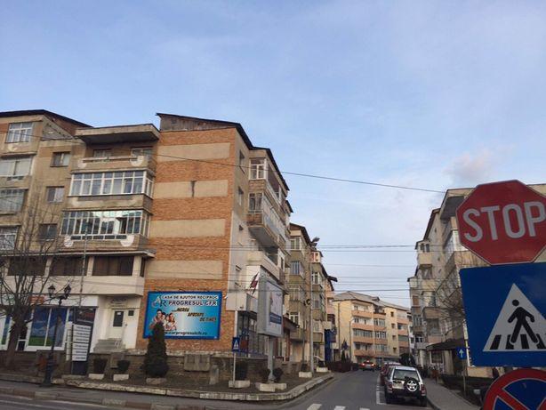 Apartament ultracentral 4 camere Comanesti