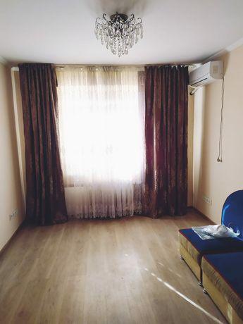 Бывшая 4-х комнатная квартира, в 7 микрорайоне