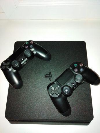 Продам  PS 4 slim.