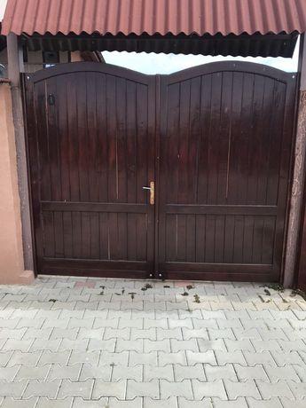 Porți  din lemn masiv , stejar