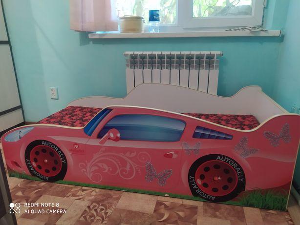 Кроватка машинка детская