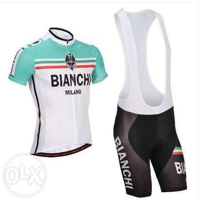echipament ciclism bianchi set pantaloni tricou jersey bib