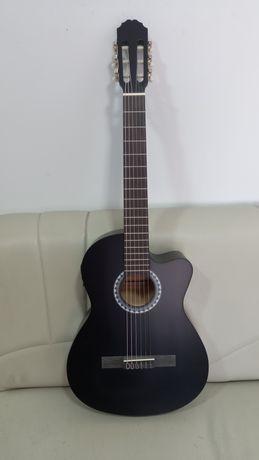 Электро-классическая гитара GEWA.