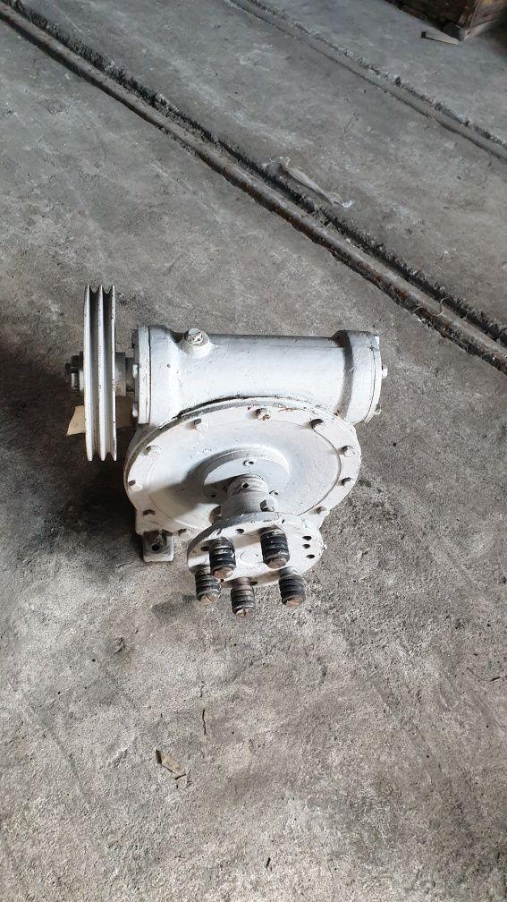 Червячен редуктор Модул-Бяла РЧХ 15А3.1
