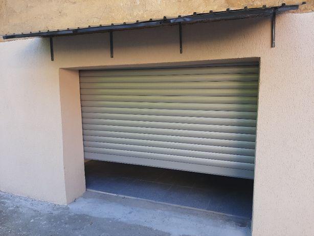 Garaj recent renovat,Fagarasului 26,poarta rulou+3 telecomenzi+ups ,gr