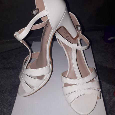 Vand sandale mireasa albe 37