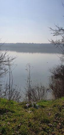 Vând teren la Dunăre