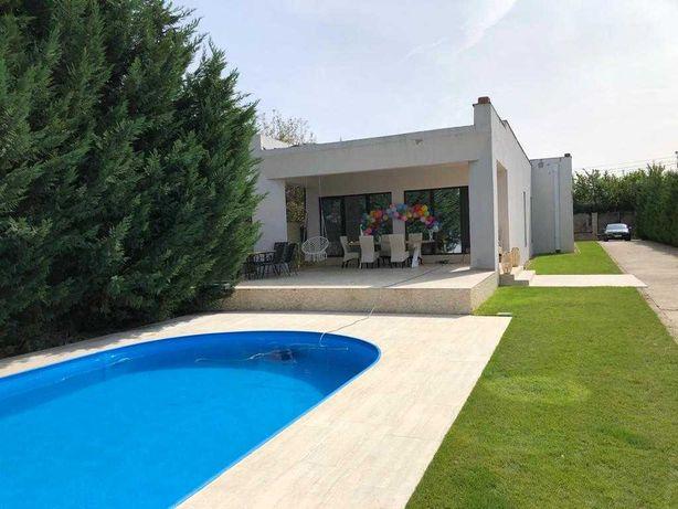 Vand Vila cu piscina, zona Gai, 334 mp construiti , 1900 mp teren