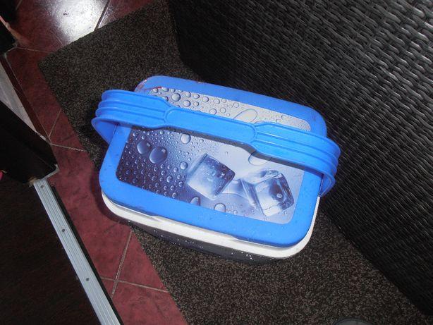lada frigorifica portabila cu gel baterii