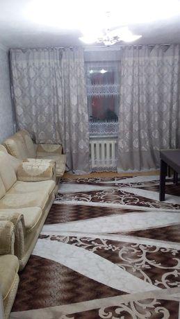 Срочно продам 4-х комнатную квартиру в центре города