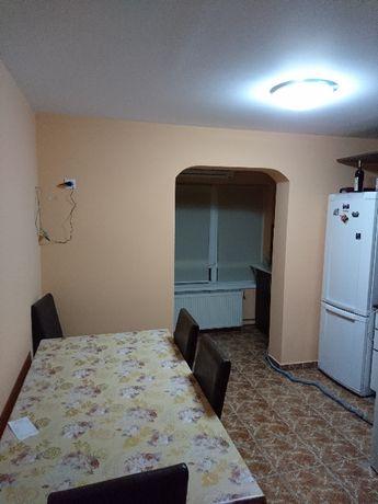 Vand apartament cu 2 camere decomandat in Calea Aradului Timisoara