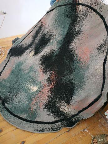 Персийски Елипсовиден килим и пътека в същата цветова гама