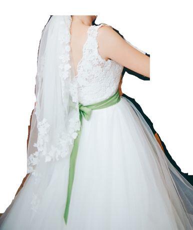 Rochie mireasa facuta la comanda casa de moda