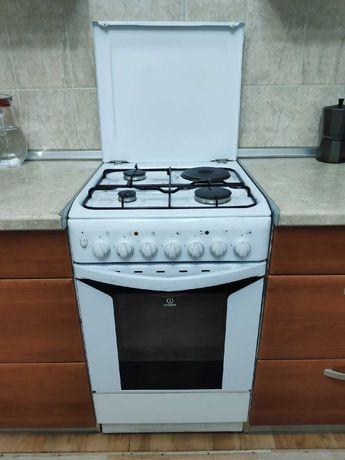 Кухонная плита с 3 конфорками и одной электрической