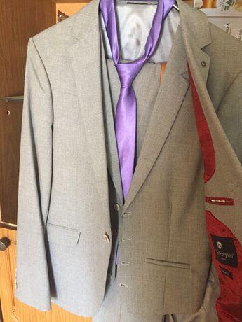 Продам мужской костюм тройка