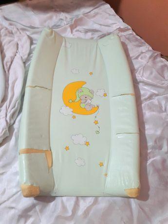 Повивалник твърд за обличане на бебе+ 2 хавлиени калъвки