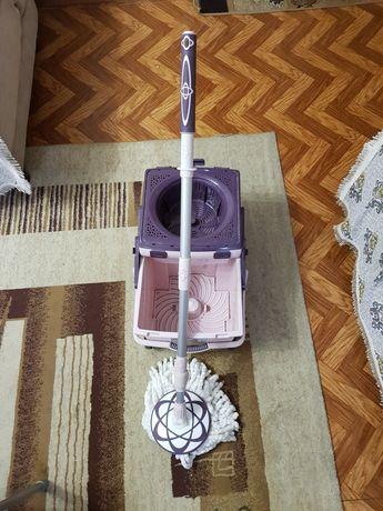 Швабра с ведром для мытья полов