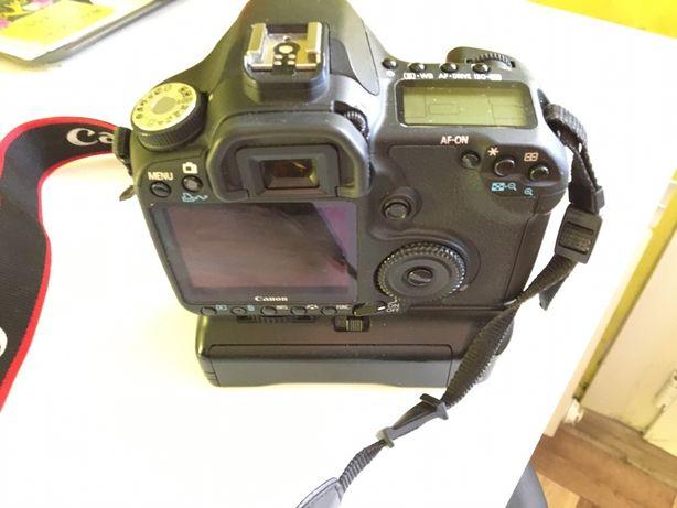 Canon 50D зеркальный фотоаппарат в комплекте