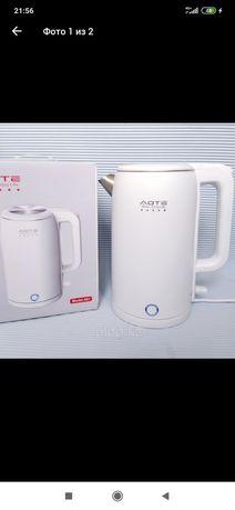 Электрический чайник для дома.