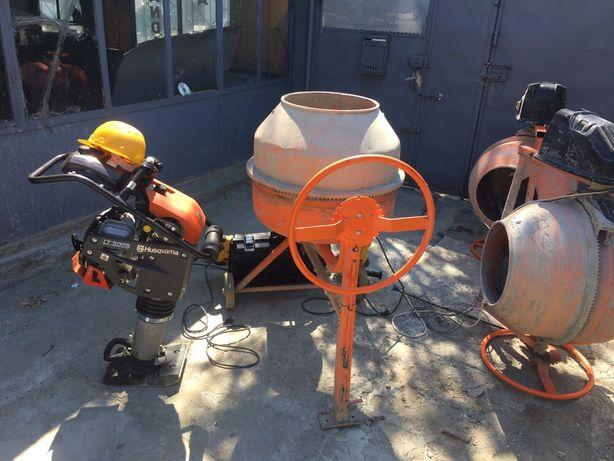 Inchiriez betoniera picamer compactor