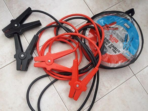 Кабели с клеми за подаване на ток към акумулатор
