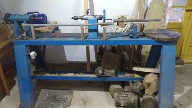 Strung de lemn de vănzare
