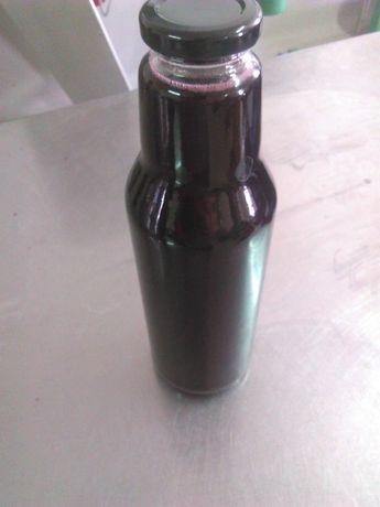 Suc extract natural de coacaze negre. Fara adaos de zahar fara apa.