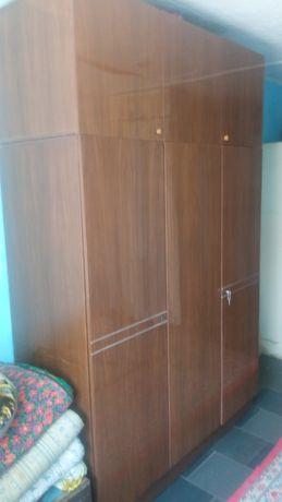 Спальный горнитур шкаф