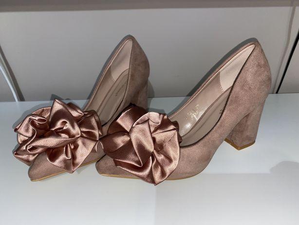 5 perechi pantofi eleganți