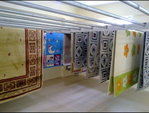 Чистка ковров по настоящему (кілем жуу)