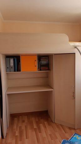 Кровать + стол + шкаф