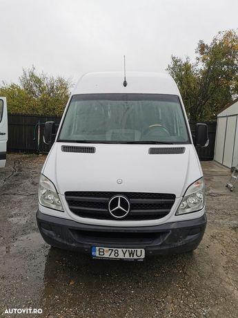 Mercedes-Benz Sprinter 16+1 locuri Se emite factura