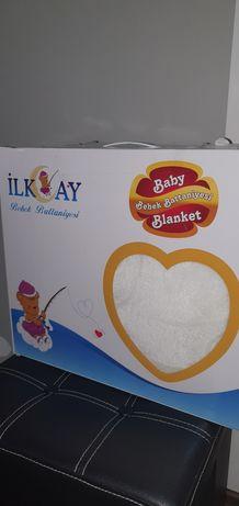 Чисто ново-бяло  детско/бебешко одеялце