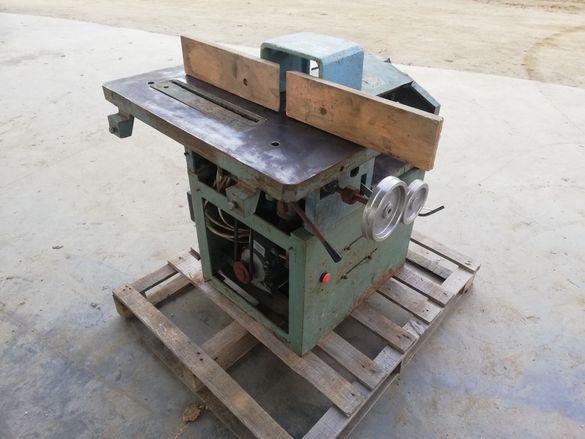 Петопрационна дърводелска машина