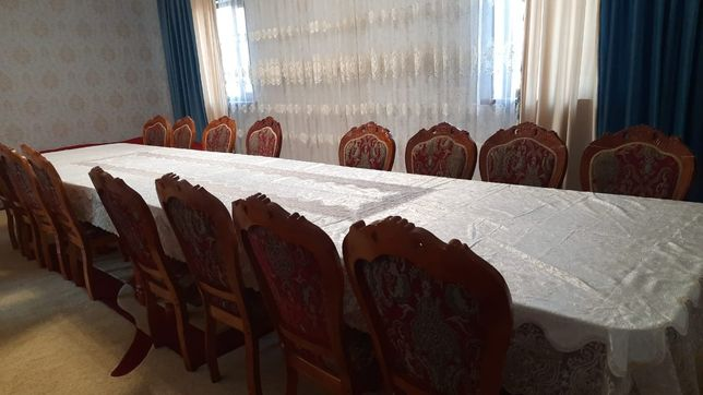 Стол стулья срочно продаётся