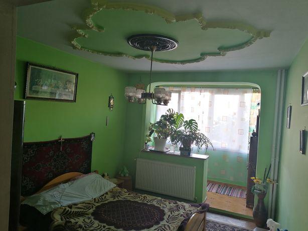 Particular vand apartament cu 3 camere 80mp in zona Alex Vlahuta