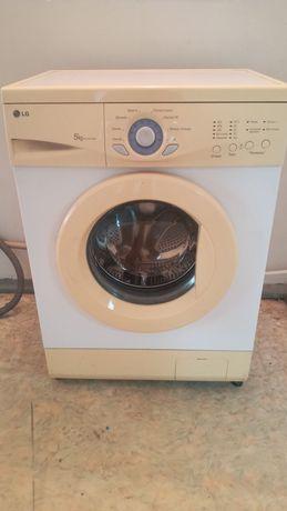 Продам стиральную машинку в очень хорошем состоянии доставка установка