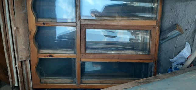 Продам окна деревянное хорошом стаяне один большой 4 шт