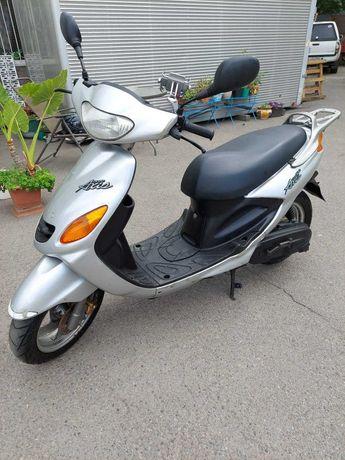 Продам скутер YAMAHA GRAND AXIS 100