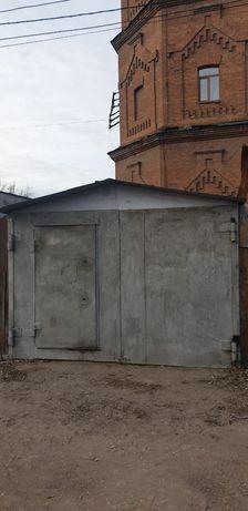 Продам гараж центр р-он водонапорной башни!