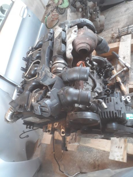 Dezmembrez piese motor 1.6 HDI diesel Peugeot Citroen Ford