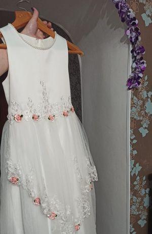 Платье праздничное на 10-12 лет