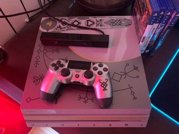 PS4 PRO 1TB Limited Edition God Of WAR impecabil