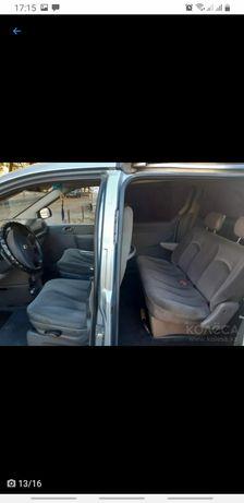 Легковая машина Dodge Caravan 2005г