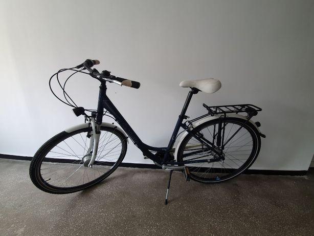 Bicicleta noua , 28' schimbator si dinam in butuc